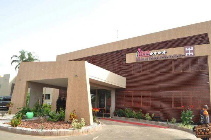 Tourisme et hôtellerie/le ministre Siandou Fofana inaugure deux hôtels à Korhogo et Kouto